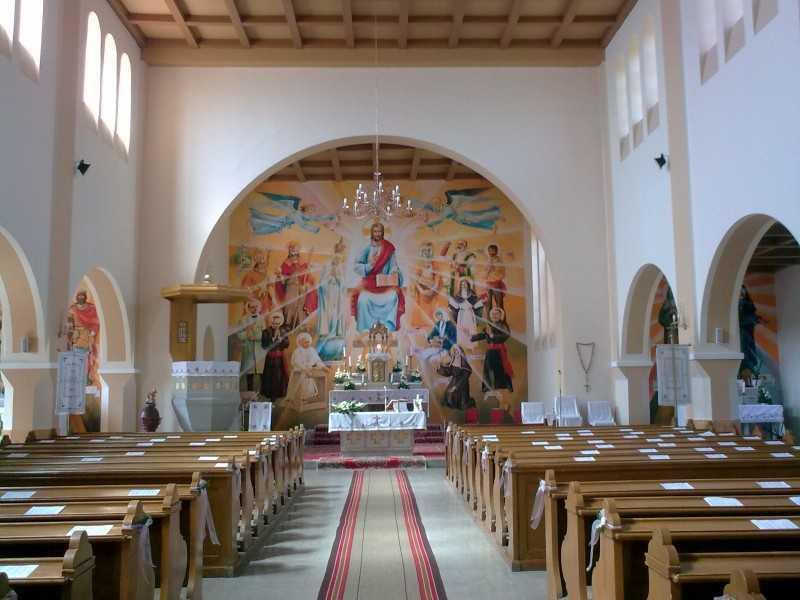 Ünnepi díszben a templomunk