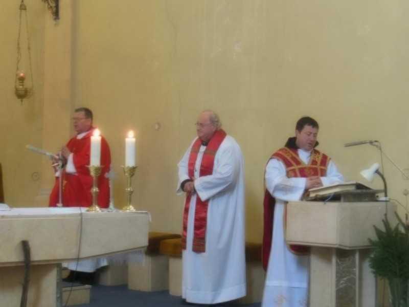 Plébánosun és miséző atyák 2