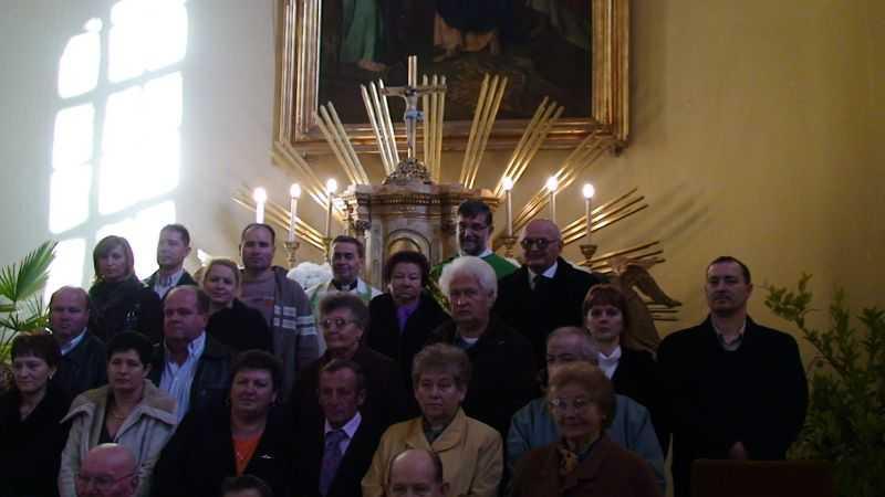 Jubiláló házaspárok Plébános úrral és Józsi atyával