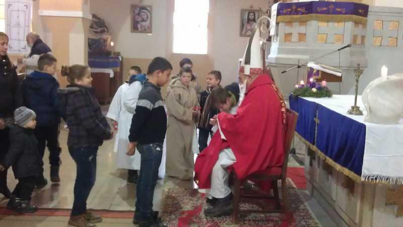Miklós püspök a templomban