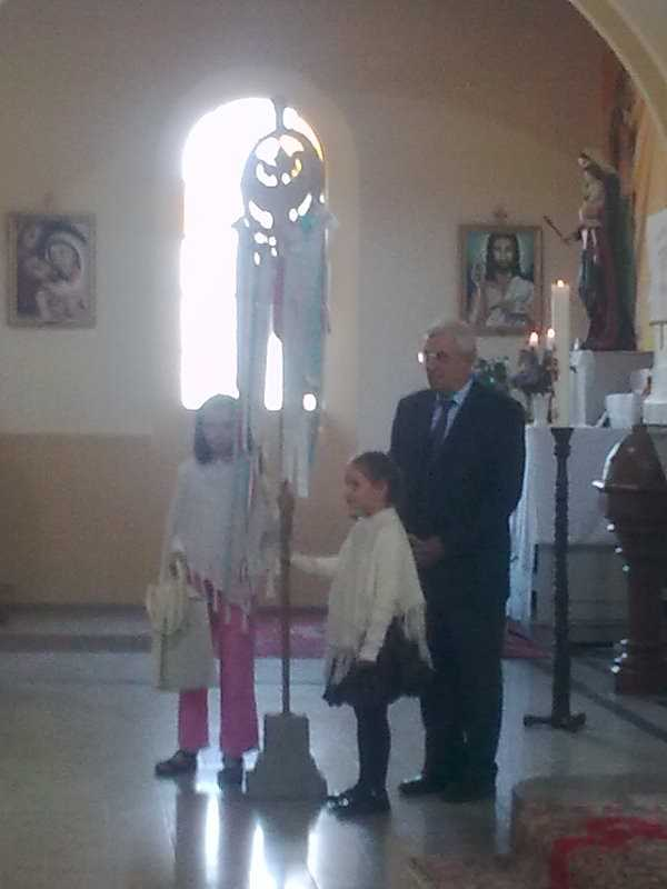 A Zamárdiból indult feltámadási kereszt templomunkba érkezett 2012. május elsején
