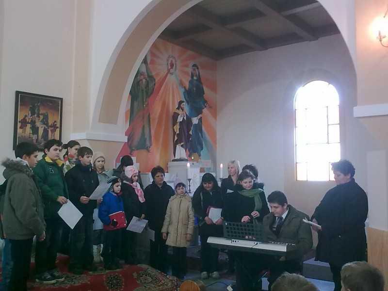 Adventben beteg gyerekeknek gyűjtöttünk, akik műsorral köszönték meg az adományokat