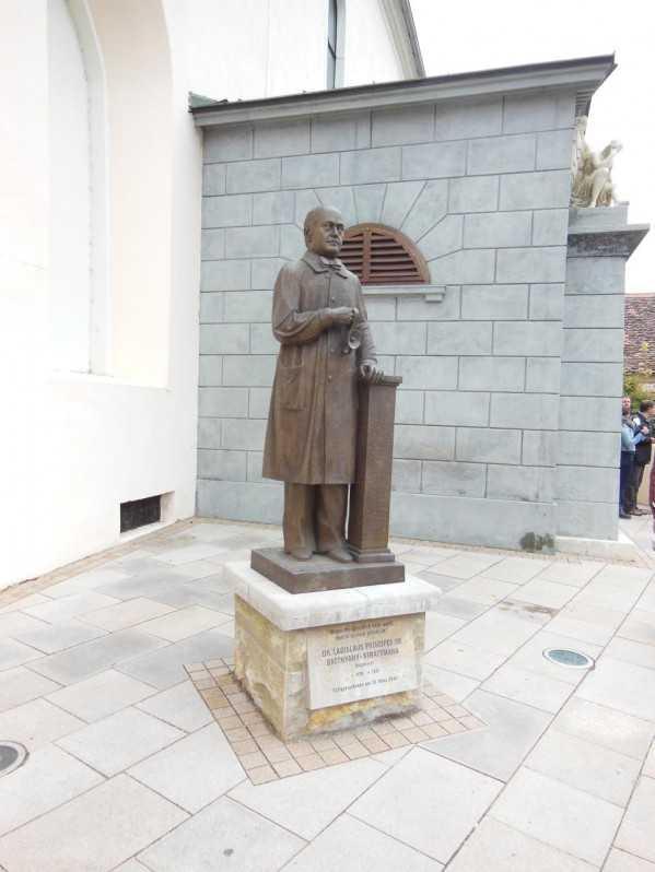 Batthyány Strattmann László szobra Güssingben